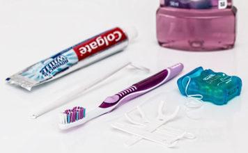Nić dentystyczna - jak używać i kiedy stosować?