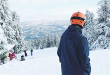 Jak wybrać odpowiedni kask do jazdy na nartach?