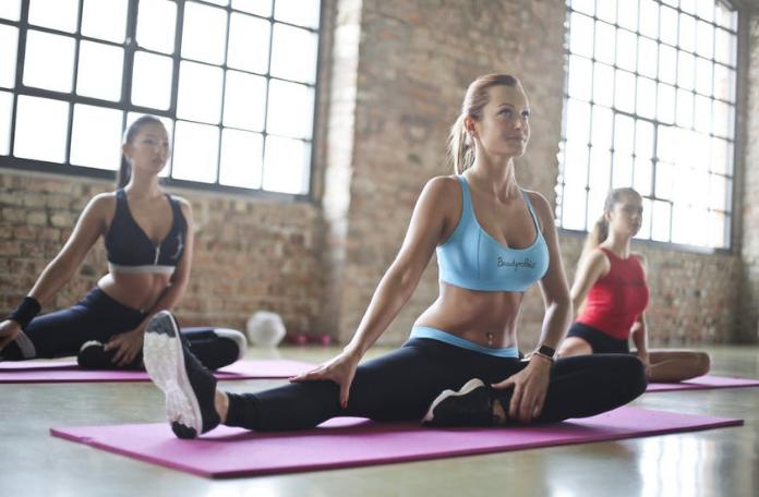 Jakie ćwiczenia wykonywać w domu aby schudnąć