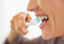 Masz problemy z zębami i dziąsami - sprawdź jak z nimi walczyć