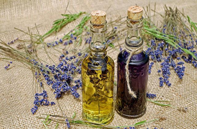 Olejki eteryczne - skoncentrowana moc natury zamknięta w buteleczce
