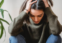 Łojotokowe zapalenie skóry głowy - jakie są objawy choroby